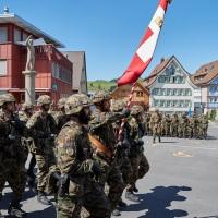 Marschhalt auf dem  Appenzeller Landsgemeindeplatz